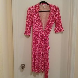 Diane von Furstenberg vintage 100% silk wrap dress